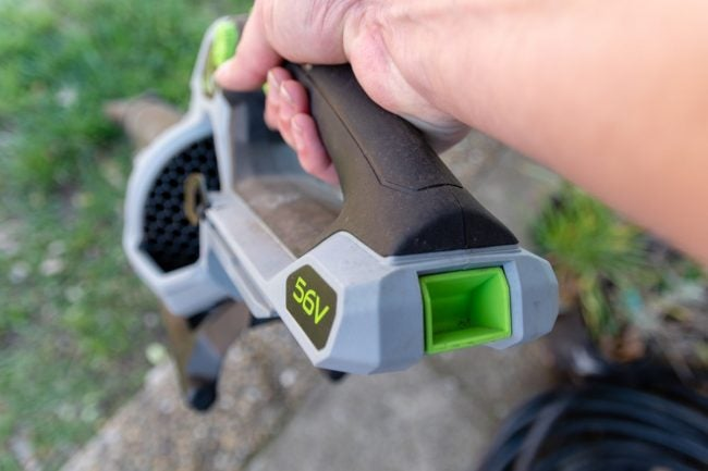 Choosing Between Gas and Electric for the Best Leaf Blower