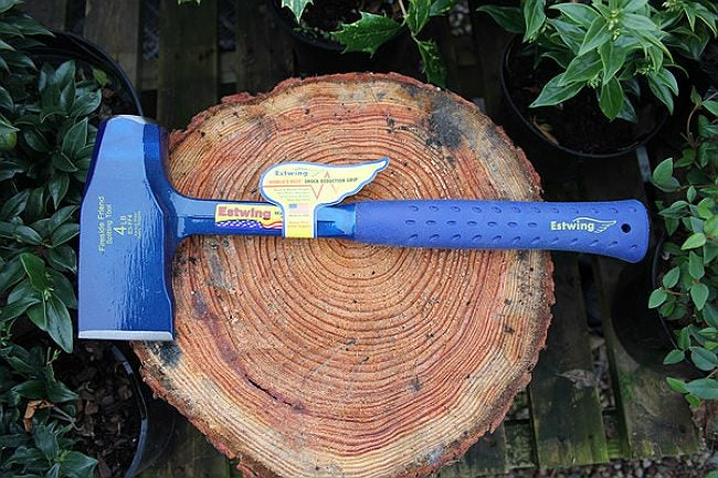 Best Axe for Light Use Splitting Wood: Estwing